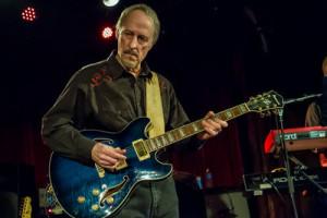 Sonics guitarist Larry Parypa
