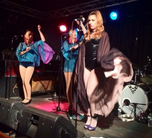 Clairy Browne & the Bangin' Rackettes, Outer Space