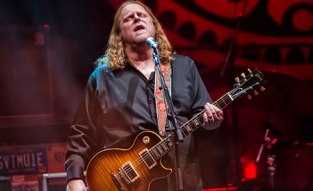 Warren Haynes Discusses New Gov't Mule Albums And Covering Pink Floyd, Shares Exclusive Track From John Scofield Collaboration