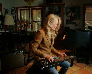 CIndy Cashdollar, saxon pub, steel guitar, dobro, texas guitar women, austin music, one-2-one bar