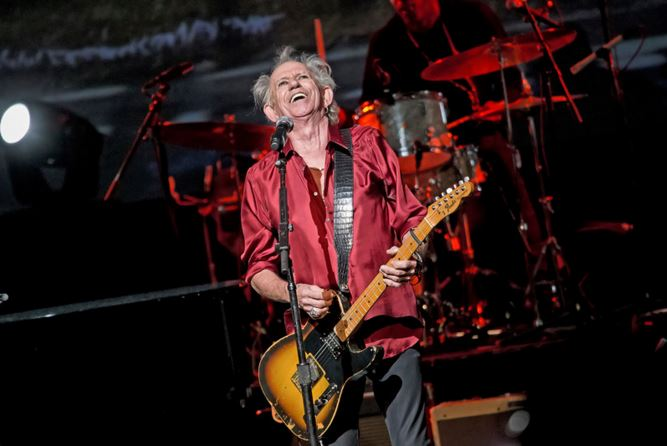 keith richards, the rolling stones, a great night in harlem, apollo theater