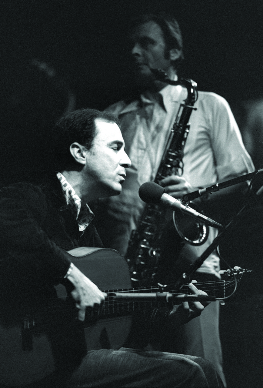 a biography of stan getz a musician Stan getz was born stanley gayetzky on february 2, 1927, in philadelphia, pennsylvania he received his first saxophone from his father at the age of 13 getz attended the julliard school of.