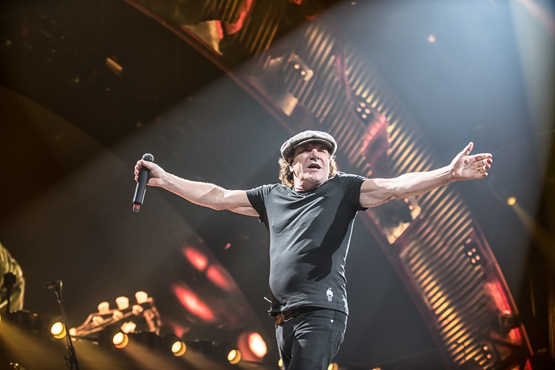Brian Johnson at Chicago's United Center by Laura Sedor