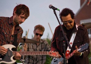 (L-R) Nail, Chris Searles, Escovedo photo by Tom Dunning
