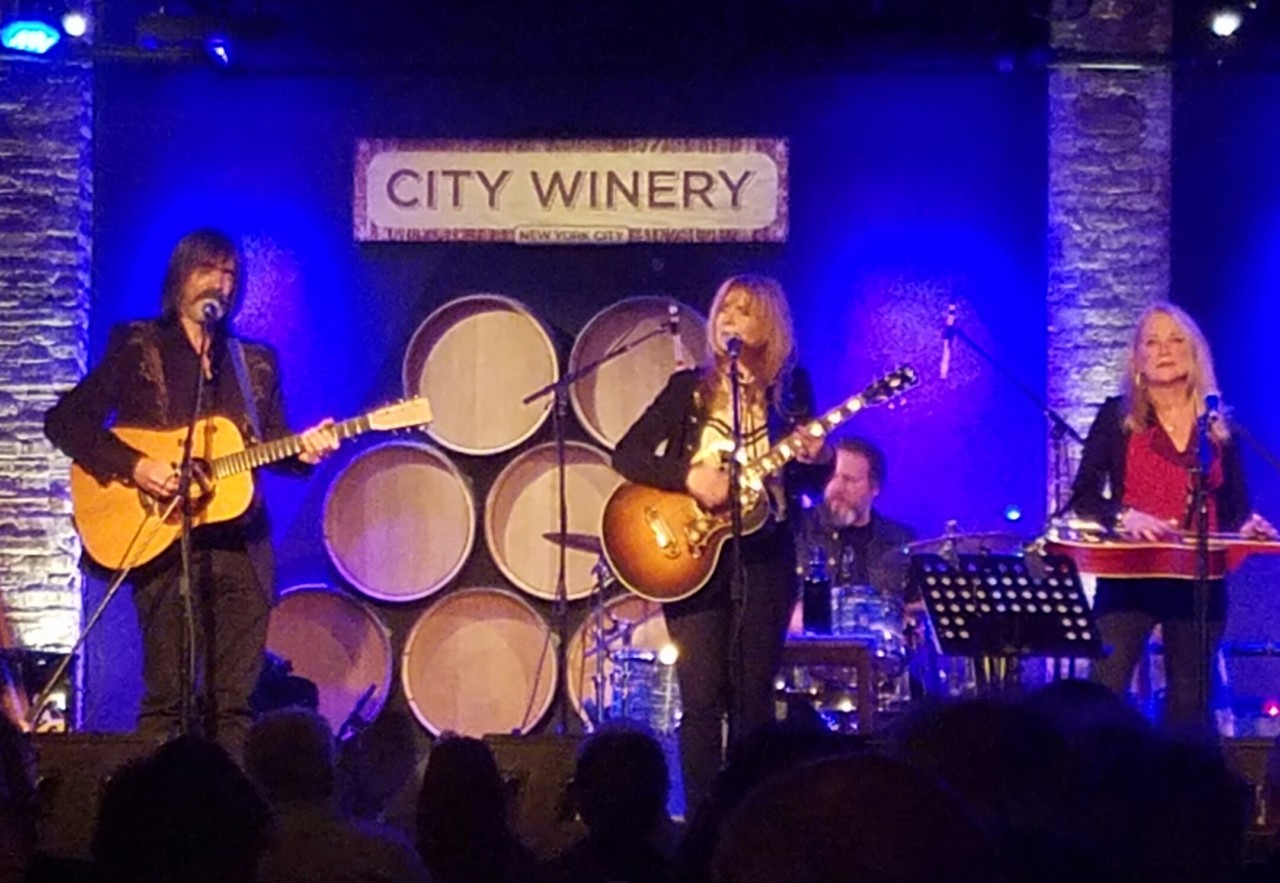 Larry Campbell, Teresa Williams, drummer Justin Guip,Cindy Cashdollar